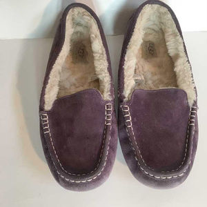 UGG Australia purple slippers size 10